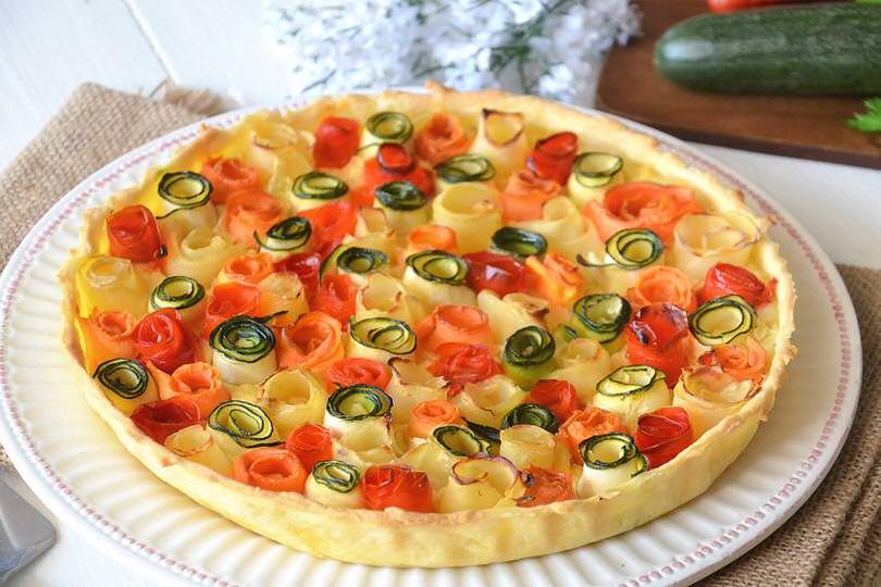 Torta salata rose di verdure