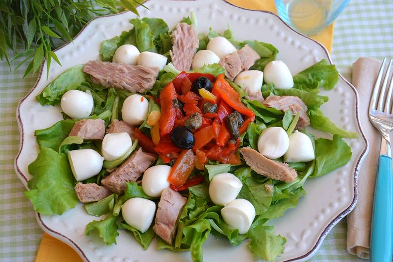 Insalata di tonno ricetta insalata di tonno di misya for Insalate ricette