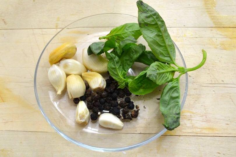 3 aglio pepe basilico