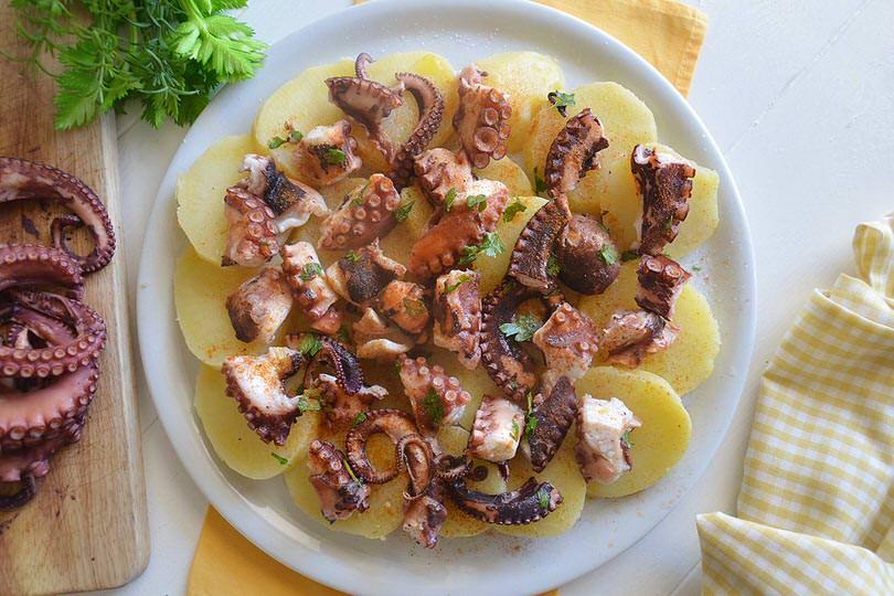Polpo alla gallega ricetta polpo alla gallega di misya - Ricette monica bianchessi pronto in tavola ...