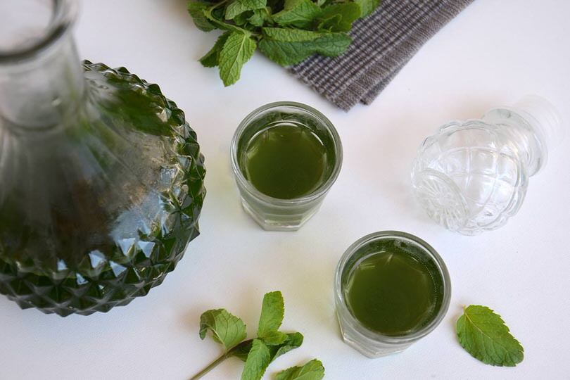 Amato Liquore alla menta - Ricetta Liquore alla menta di Misya AZ31
