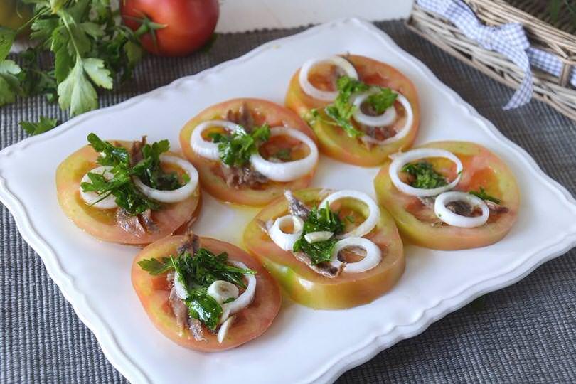 Pomodori e alici