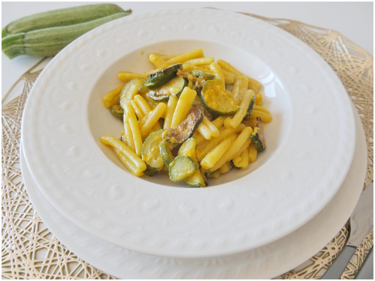 Ricetta Pasta Zucchine E Zafferano.Pasta Zucchine E Zafferano Ricetta Pasta Zucchine E Zafferano Di Misya